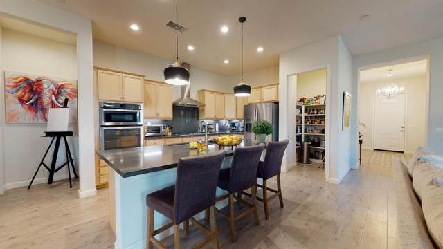 51 Bordeaux, Rancho Mirage, CA 92270 (MLS #219049103) :: The Jelmberg Team