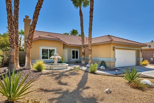 2282 Shannon Way, Palm Springs, CA 92262 (MLS #219049405) :: The Sandi Phillips Team