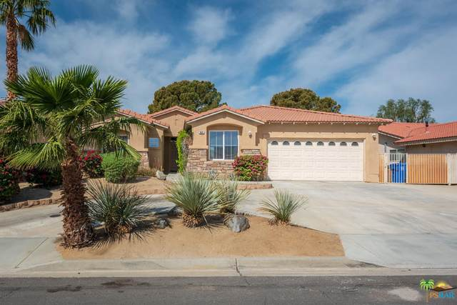 9691 Clubhouse Boulevard, Desert Hot Springs, CA 92240 (#219049899) :: The Pratt Group