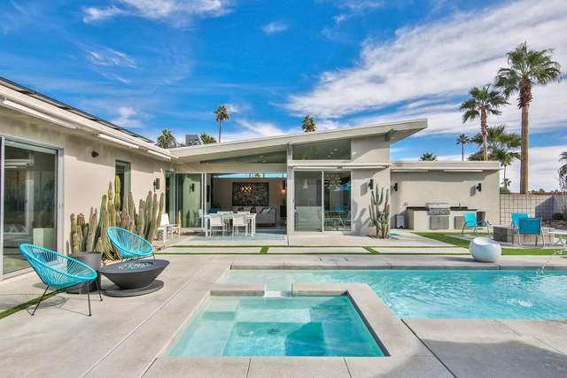 262 W Vista Chino, Palm Springs, CA 92262 (MLS #219050149) :: The John Jay Group - Bennion Deville Homes