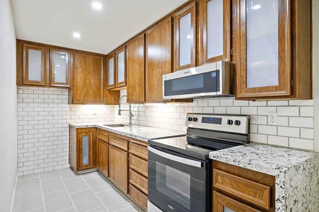 2822 N Auburn #E215 Court, Palm Springs, CA 92262 (MLS #219051049) :: KUD Properties