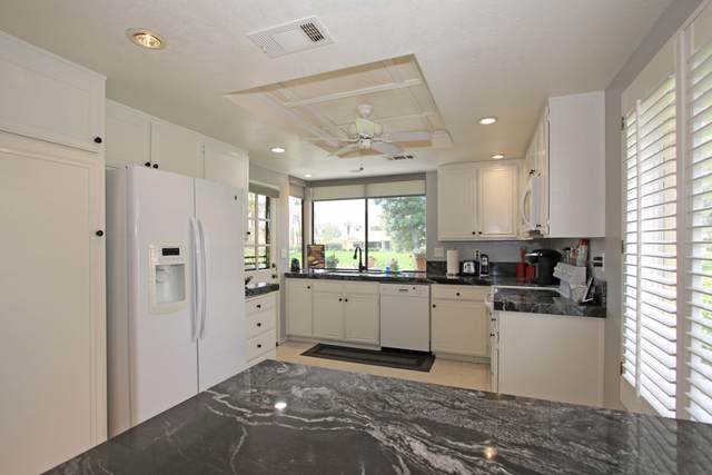 271 Santa Barbara Circle Circle, Palm Desert, CA 92260 (MLS #219052620) :: The Jelmberg Team