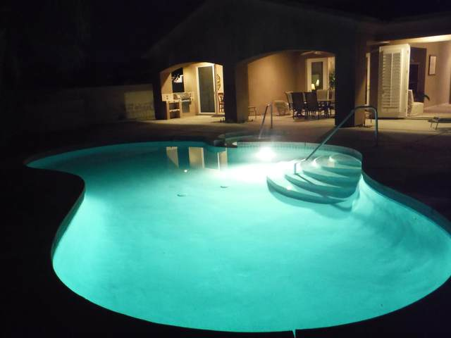 26 Paris Way, Rancho Mirage, CA 92270 (MLS #219053033) :: The Jelmberg Team