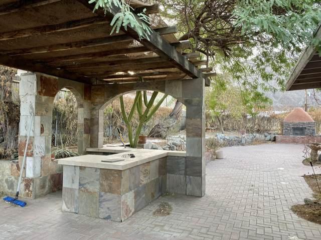 77325 Calle Monterey, La Quinta, CA 92253 (MLS #219054336) :: The Sandi Phillips Team