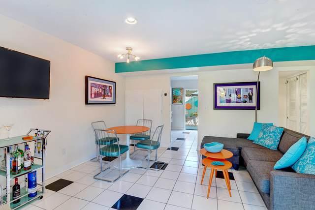 155 W Hermosa Place, Palm Springs, CA 92262 (MLS #219055171) :: Brad Schmett Real Estate Group