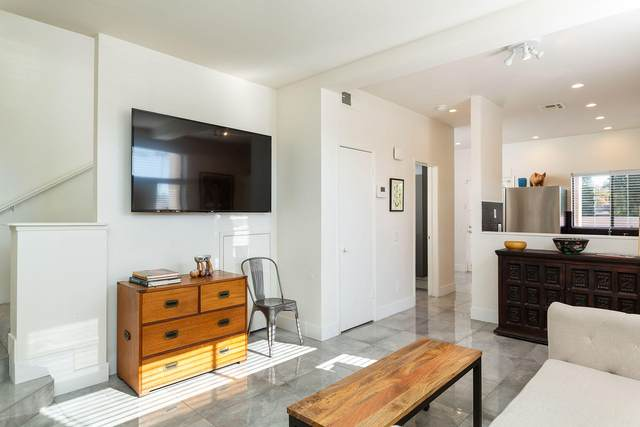 401 E Vista Chino, Palm Springs, CA 92262 (MLS #219055686) :: Brad Schmett Real Estate Group