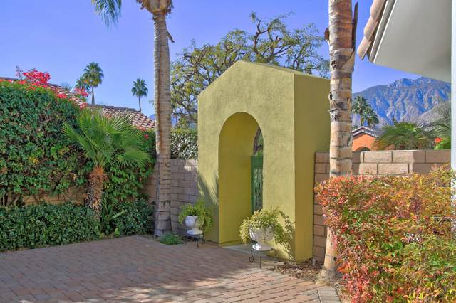 1382 Crystal Court, Palm Springs, CA 92264 (#219055780) :: The Pratt Group