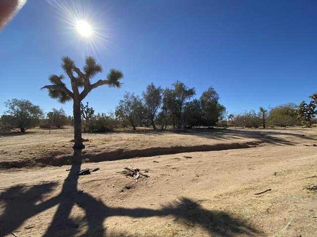 57879 Pajara Drive, Yucca Valley, CA 92284 (#219055791) :: The Pratt Group