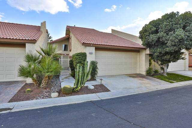 42544 Virginia Avenue, Palm Desert, CA 92211 (#219056168) :: The Pratt Group