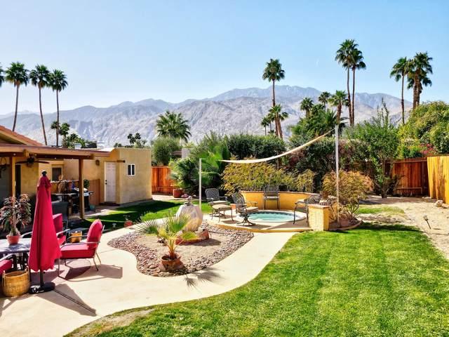 2150 E Calle Papagayo, Palm Springs, CA 92262 (MLS #219058010) :: KUD Properties