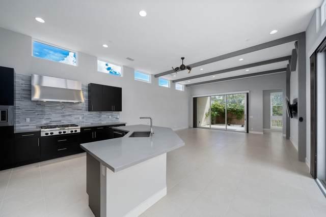 4210 Amber Lane, Palm Springs, CA 92262 (MLS #219058870) :: KUD Properties