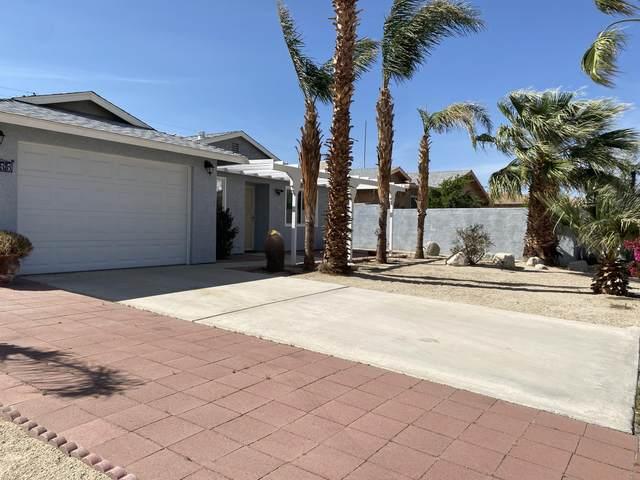 16355 Via Vista, Desert Hot Springs, CA 92240 (MLS #219060132) :: The Jelmberg Team
