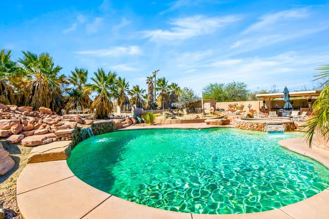 22555 Berry Road, Desert Hot Springs, CA 92241 (#219060827) :: The Pratt Group