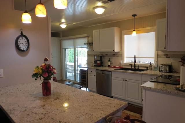 38560 Desert Greens Drive, Palm Desert, CA 92260 (MLS #219061443) :: Hacienda Agency Inc
