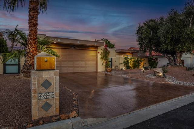 2 Saturn Cir Circle, Rancho Mirage, CA 92270 (MLS #219061784) :: Zwemmer Realty Group