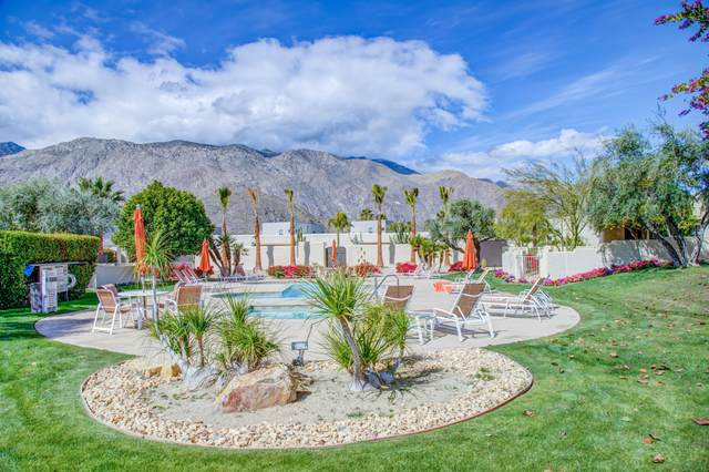 1108 E Casa Verde Way, Palm Springs, CA 92262 (MLS #219061812) :: Brad Schmett Real Estate Group
