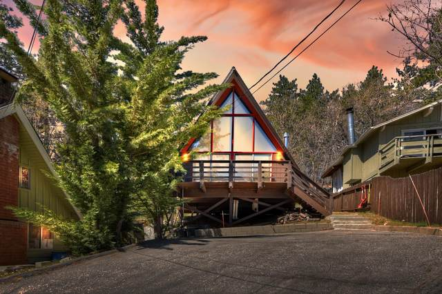 2350 Lookout Drive, Running Springs, CA 92382 (MLS #219061856) :: Zwemmer Realty Group