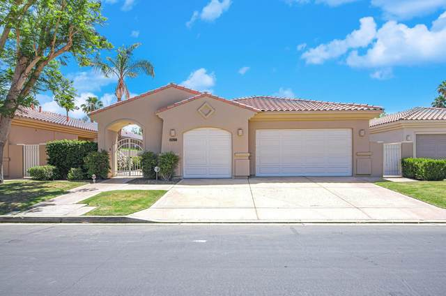 54900 Southern Hills, La Quinta, CA 92253 (MLS #219062736) :: KUD Properties