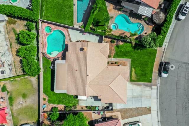 45345 Deerbrook Circle, La Quinta, CA 92253 (#219062747) :: The Pratt Group
