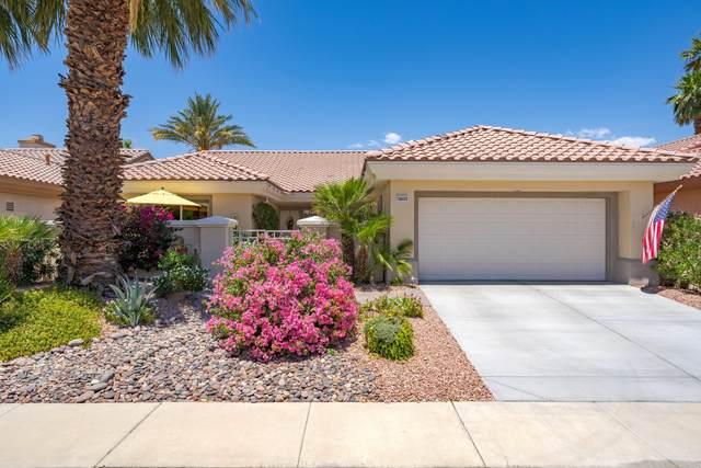 78372 Silver Sage Drive, Palm Desert, CA 92211 (MLS #219062960) :: KUD Properties