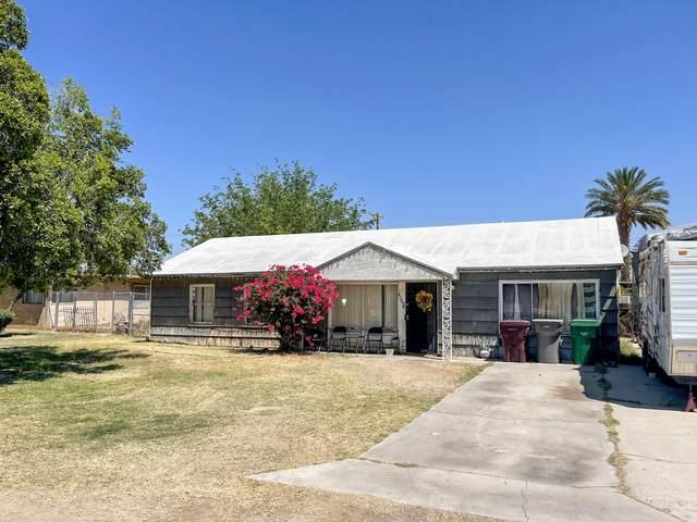 81370 Date Palm Avenue, Indio, CA 92201 (MLS #219063195) :: KUD Properties