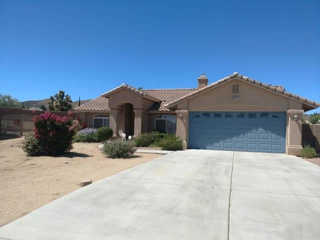 56727 Navajo Trail, Yucca Valley, CA 92284 (MLS #219063940) :: The Jelmberg Team