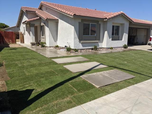 84126 Calendula Avenue, Coachella, CA 92236 (MLS #219064739) :: KUD Properties