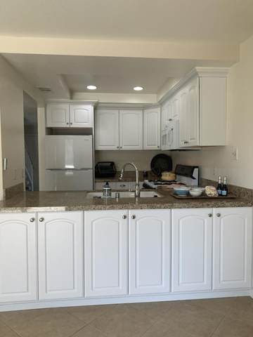 33 Lakeview Circle, Cathedral City, CA 92234 (MLS #219064807) :: Brad Schmett Real Estate Group