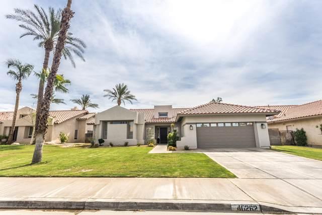 40262 Eastwood Lane, Palm Desert, CA 92211 (MLS #219065166) :: The Sandi Phillips Team