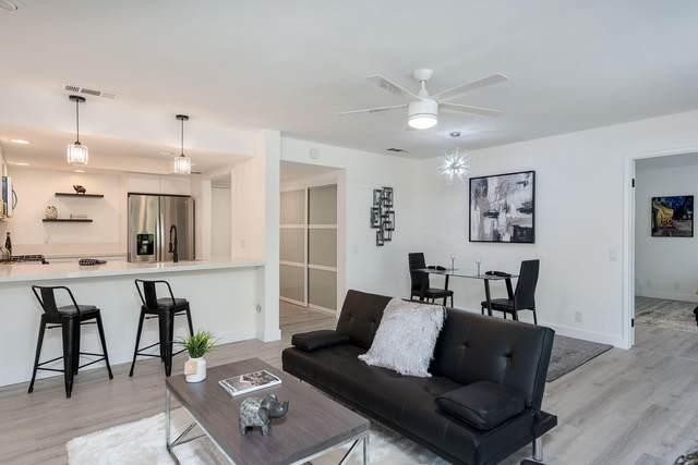1735 N Via Miraleste, Palm Springs, CA 92262 (MLS #219065185) :: KUD Properties