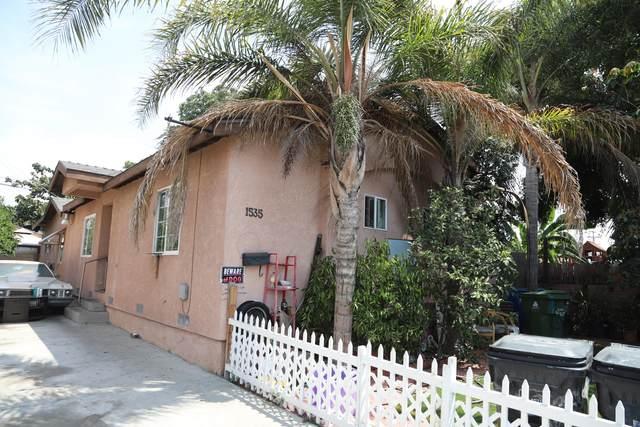 1535 W Gage Avenue, Los Angeles, CA 90047 (MLS #219065422) :: KUD Properties