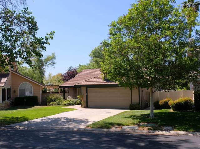 325 Van Ness Lane, Redlands, CA 92374 (#219065692) :: The Pratt Group