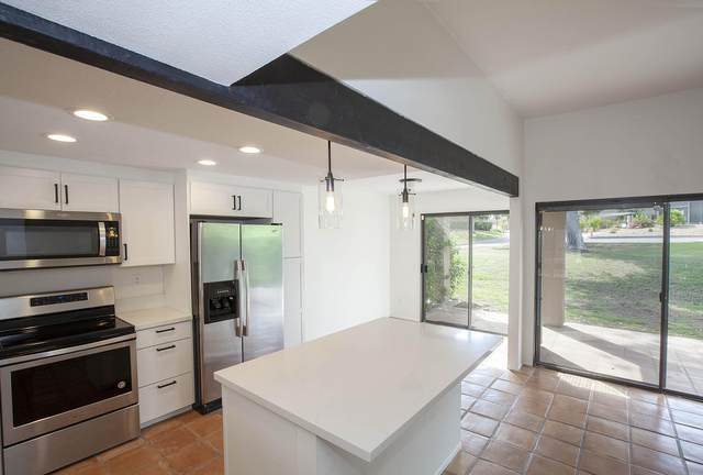 72459 Desert Flower Drive, Palm Desert, CA 92260 (MLS #219066077) :: Mark Wise   Bennion Deville Homes