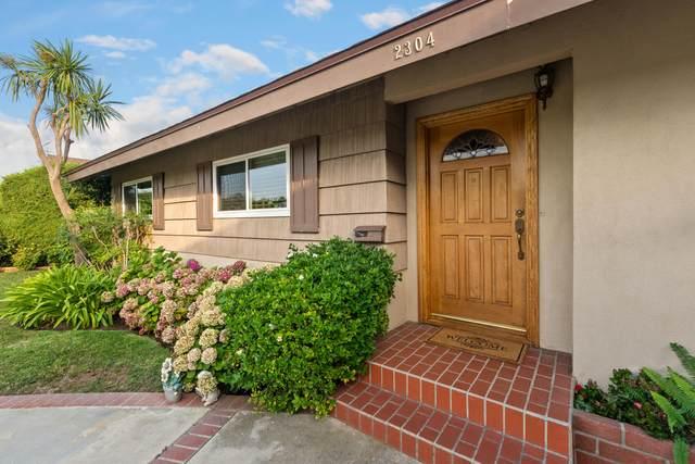 2304 E Cloverdale Avenue, Orange, CA 92867 (#219066351) :: The Pratt Group