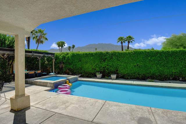 1895 N Whitewater Club Dr. Drive, Palm Springs, CA 92262 (MLS #219067624) :: Lisa Angell