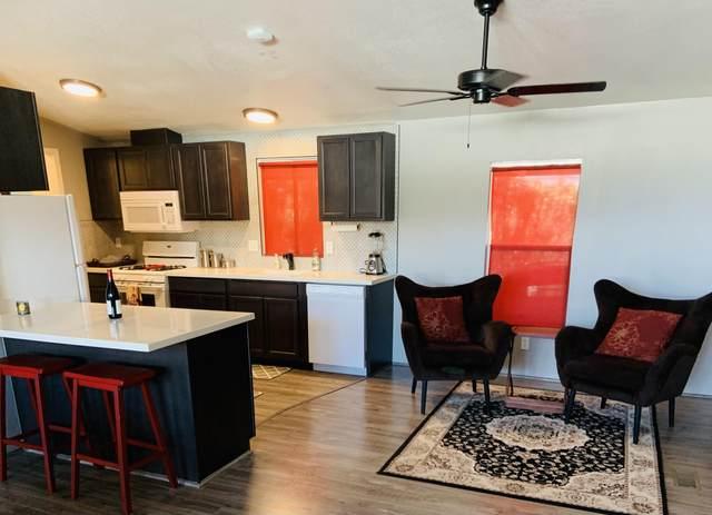 24 Lazy B Drive, Palm Desert, CA 92260 (MLS #219067963) :: Mark Wise | Bennion Deville Homes