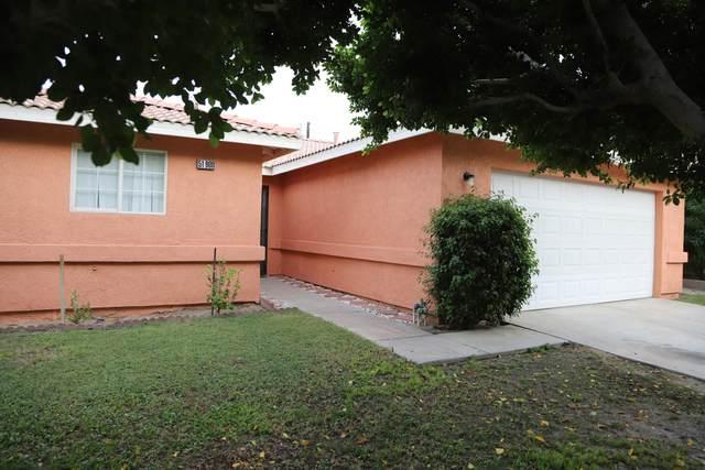 51900 Avenida Carranza, La Quinta, CA 92253 (MLS #219068478) :: The Sandi Phillips Team