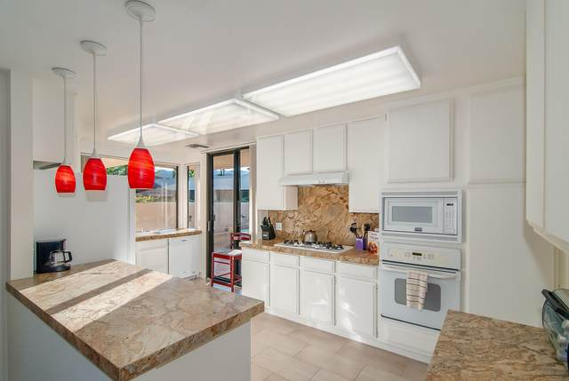 11 Wake Forest Court, Rancho Mirage, CA 92270 (MLS #219069077) :: The Jelmberg Team