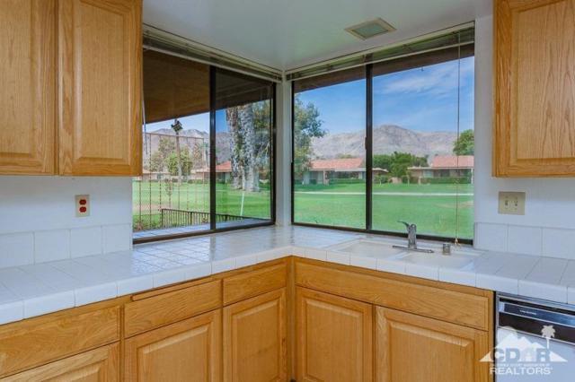 4 Cadiz Drive, Rancho Mirage, CA 92270 (MLS #218021250) :: Brad Schmett Real Estate Group