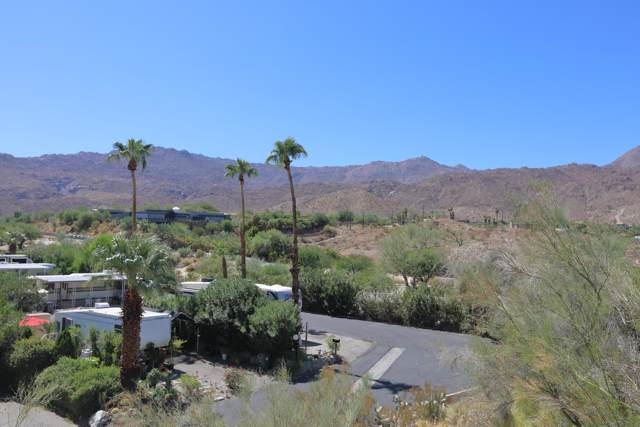 40 Country Club Drive, Palm Desert, CA 92260 (MLS #219030182) :: The Sandi Phillips Team