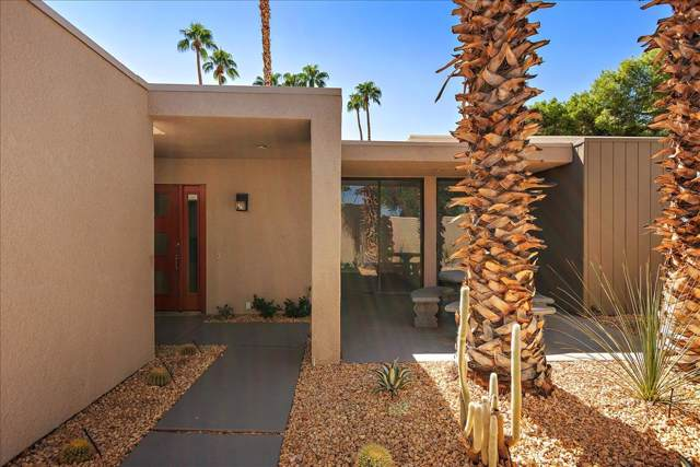 1255 E Twin Palms Drive, Palm Springs, CA 92264 (MLS #219030515) :: The John Jay Group - Bennion Deville Homes