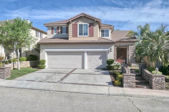 26537 Oakdale Canyon Lane, Canyon Country, CA 91387 (MLS #219043887) :: The Sandi Phillips Team