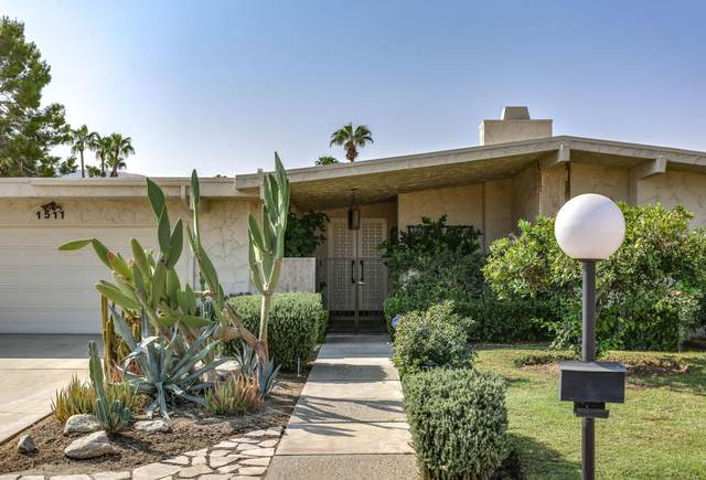 1511 E Twin Palms Drive, Palm Springs, CA 92264 (MLS #219049281) :: The John Jay Group - Bennion Deville Homes