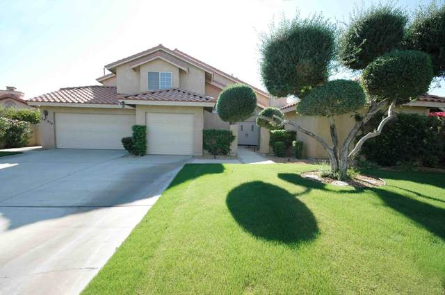 39974 Newcastle Drive, Palm Desert, CA 92211 (MLS #219051924) :: The Sandi Phillips Team