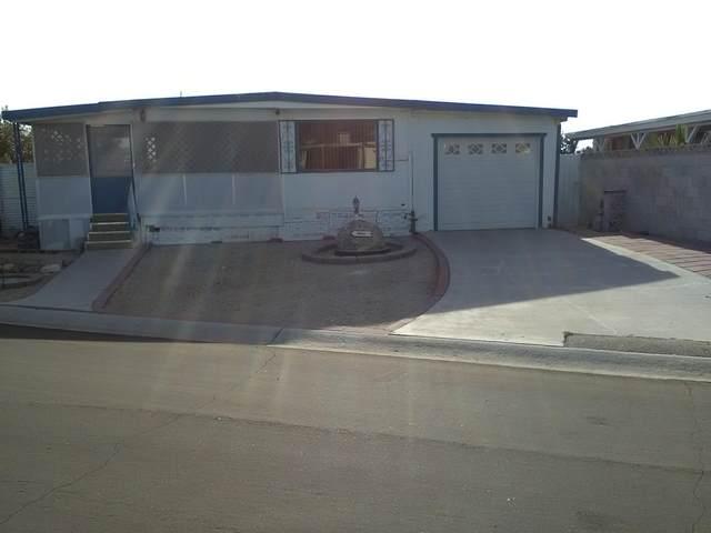 69421 Poolside Drive, Desert Hot Springs, CA 92241 (#219054405) :: The Pratt Group