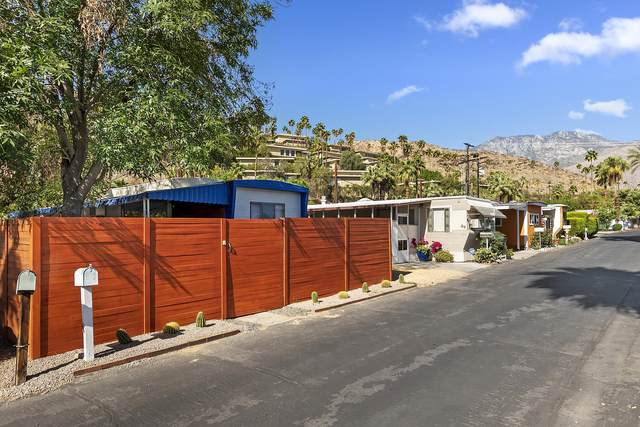 90 Jupiter Street, Palm Springs, CA 92264 (MLS #219061440) :: The Jelmberg Team