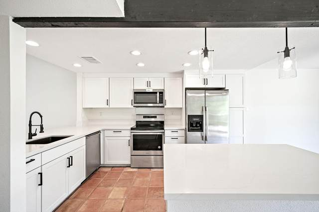 72459 Desert Flower Drive, Palm Desert, CA 92260 (MLS #219063429) :: Brad Schmett Real Estate Group