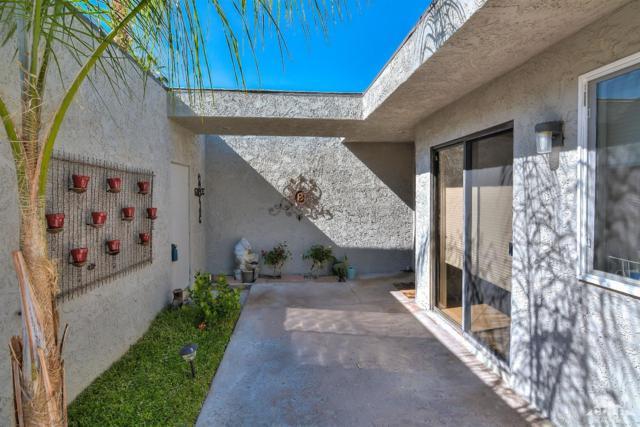 2642 W Condesa Drive, Palm Springs, CA 92264 (MLS #218016336) :: Brad Schmett Real Estate Group