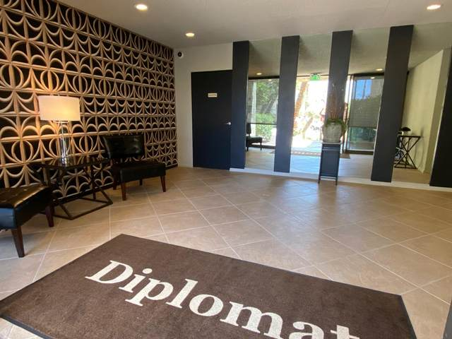 2454 E Palm Canyon Drive, Palm Springs, CA 92264 (MLS #219035415) :: The John Jay Group - Bennion Deville Homes