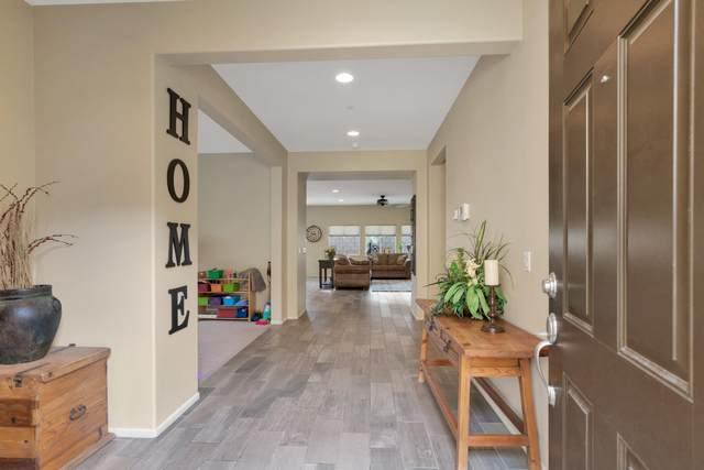 42698 Tiempo Court, Indio, CA 92203 (MLS #219038130) :: Brad Schmett Real Estate Group